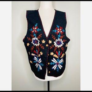 Vintage Sweater Vest 100% wool Embroidered Floral